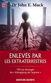 illustration de livre Enlevés par les extraterrestres