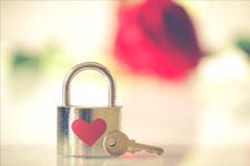 illustration de l'article LOVE, Le grand livre de l'Amour